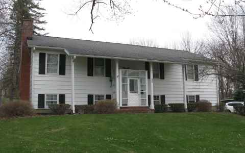 Main photo for 124 PARKWAY DR