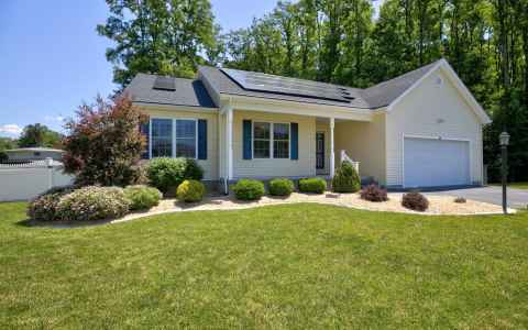 Main photo for 1004 KINGSWOOD CT