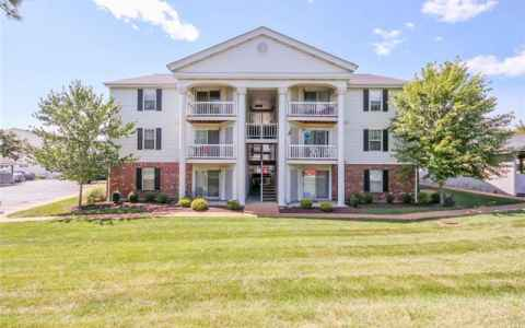 Main photo for 16518 Victoria Crossing Drive G