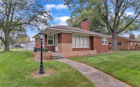 Main photo for 14203 N LIVONIA CRES ST
