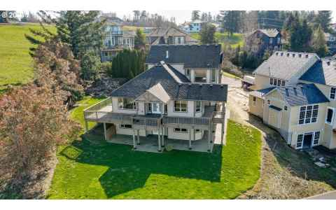 Main photo for 1671 NW JUNEAU CT