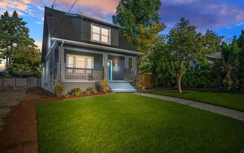 Main photo for 4604 SE 47TH AVE