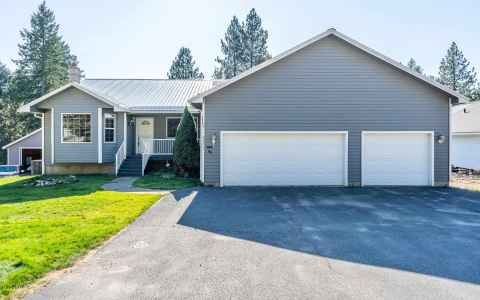 Main photo for 4571 Woodland Shores Dr