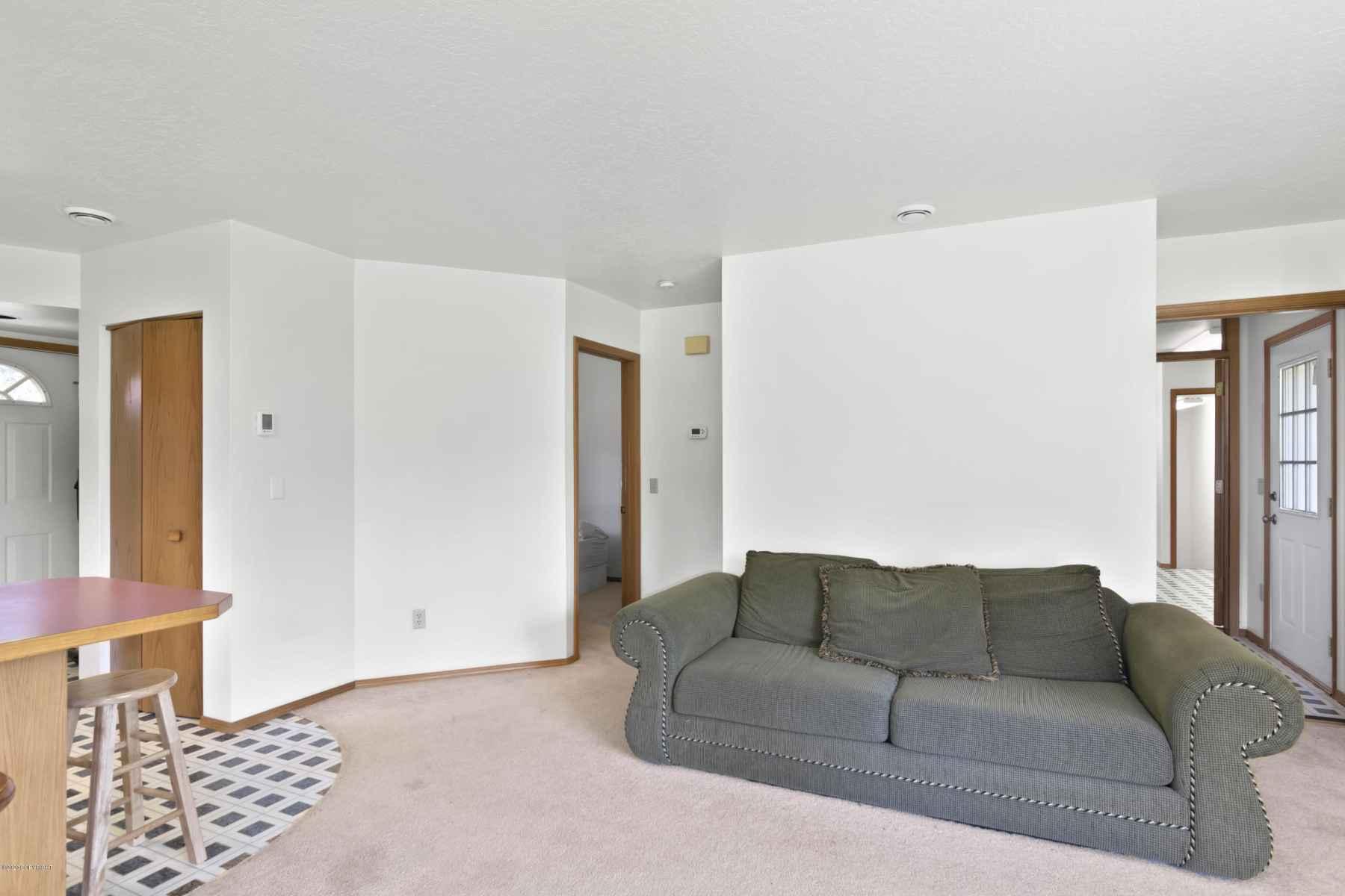 MIL Living Room