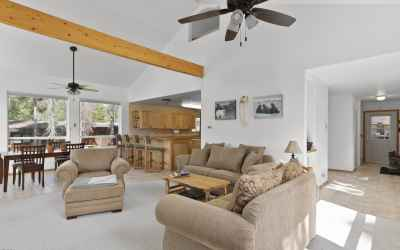 Open Concept/Vaulted Ceiling