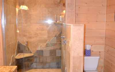 Master Bath/ Walk in Shower