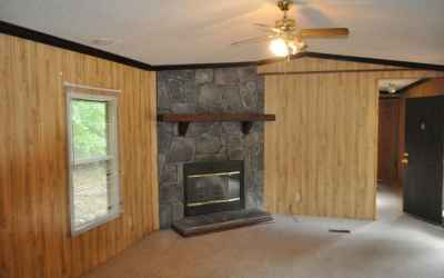 Living Romm with fireplace