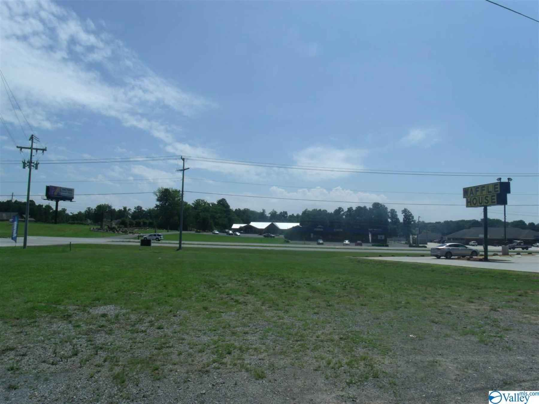 Photo for000 N HIGHWAY 231