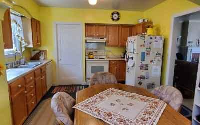 kitchen/back entry