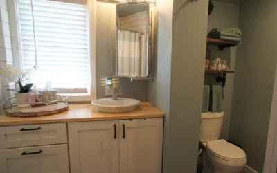 7 bathroom upstairs