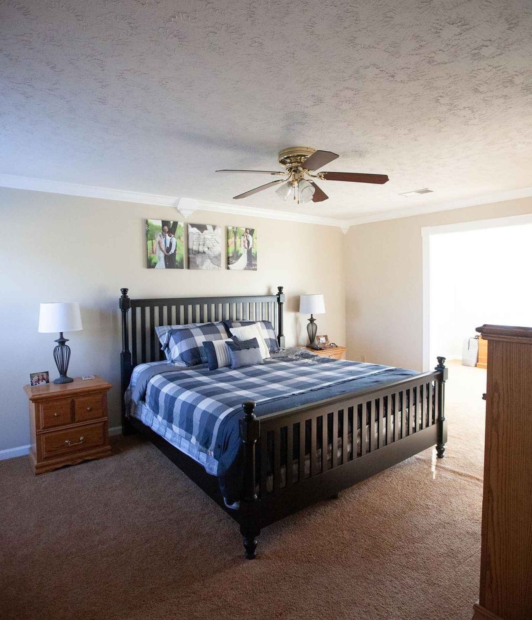 Come and rest in this spacious master suite! This room has fresh paint, new carpet, walk-in closet and an attached sitting room that leads out to a private upper deck.