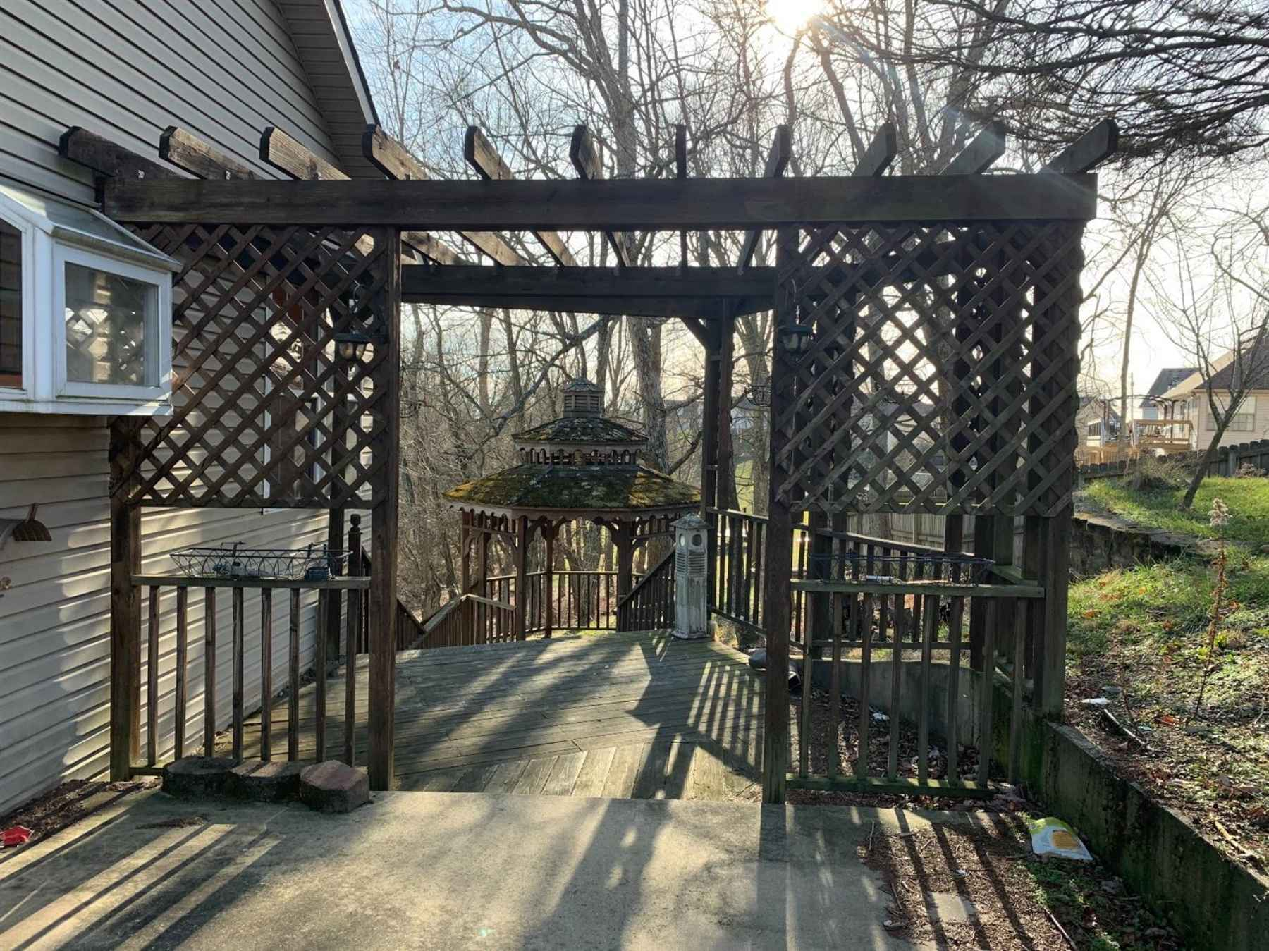 Side entrance to the back deck