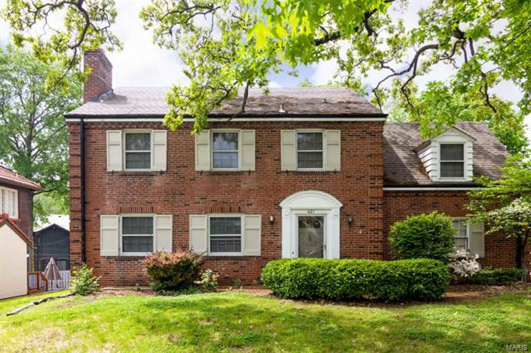 Welcome Home to 421 Edgewood Dr., Clayton, MO 63105 - Walking distance to Clayton schools and conveniently located near Forest Park and downtown Clayton.