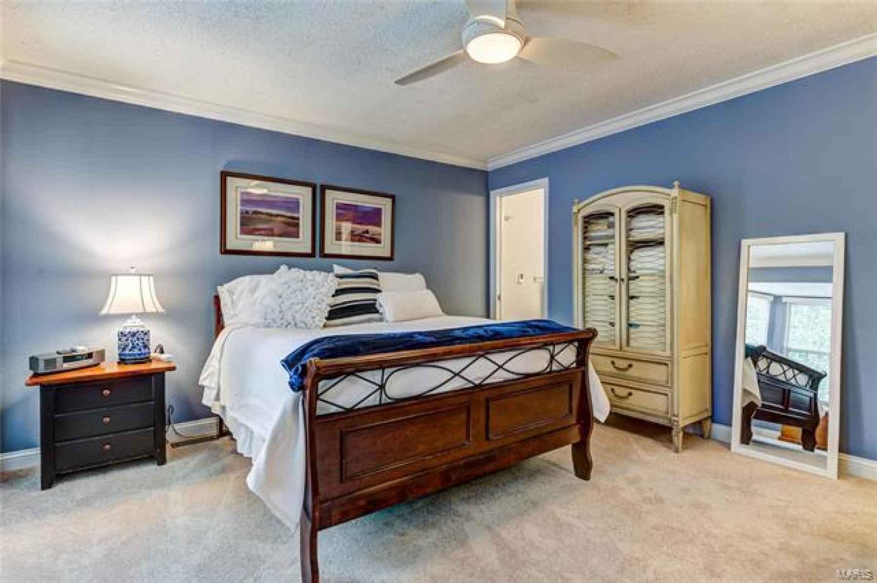 En suite master bedroom