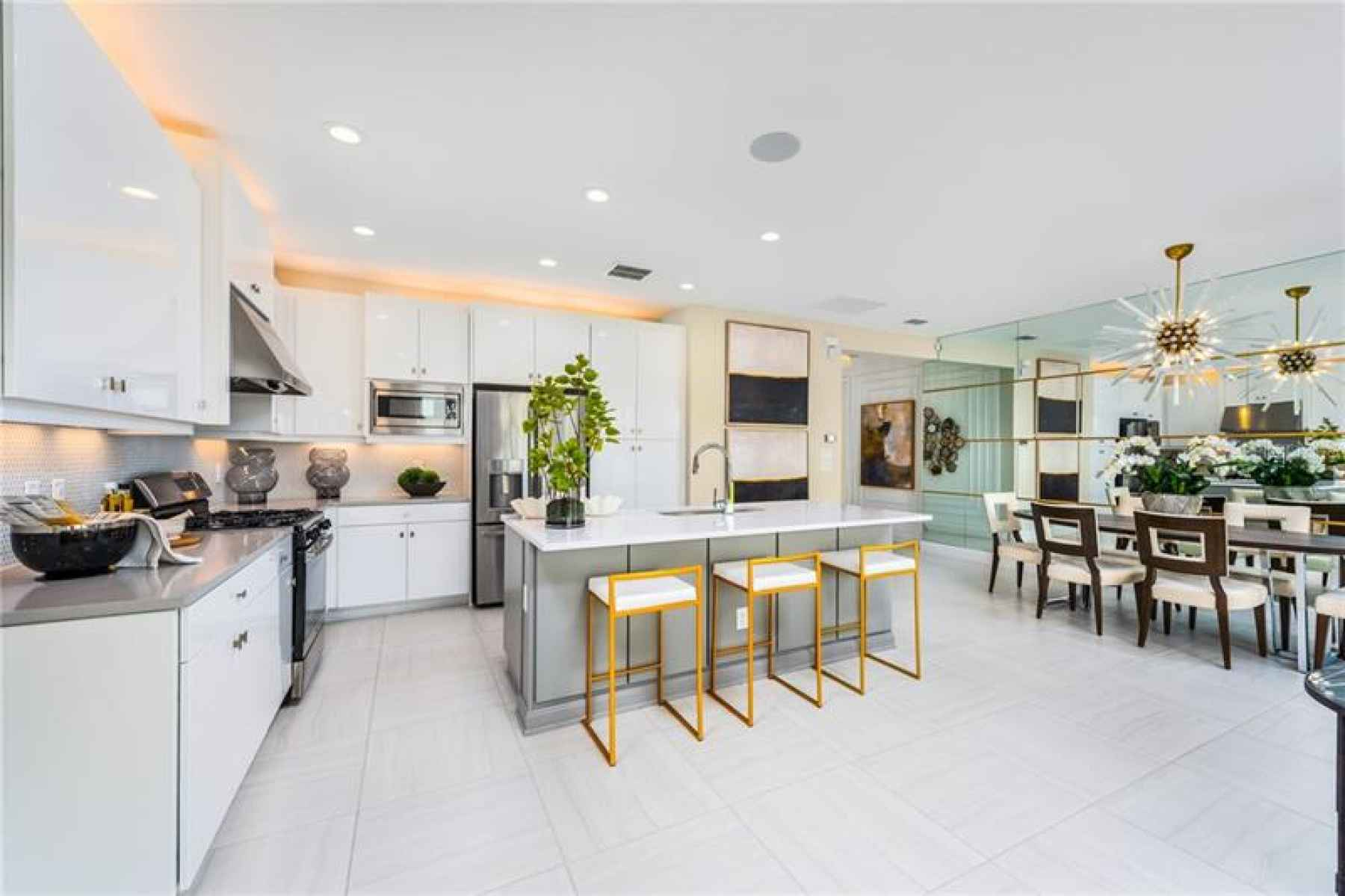 Builders Catalina Kitchen and Dining Room view Model Picture!
