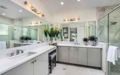 Builders Catalina Master Bathroom view Model Picture!