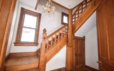 Main floor. Staircase.