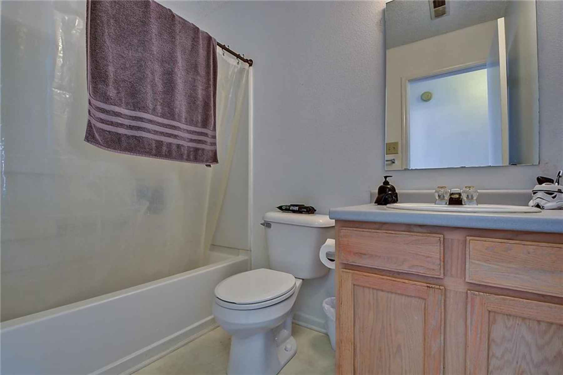 2nd Full bath is upstairs!