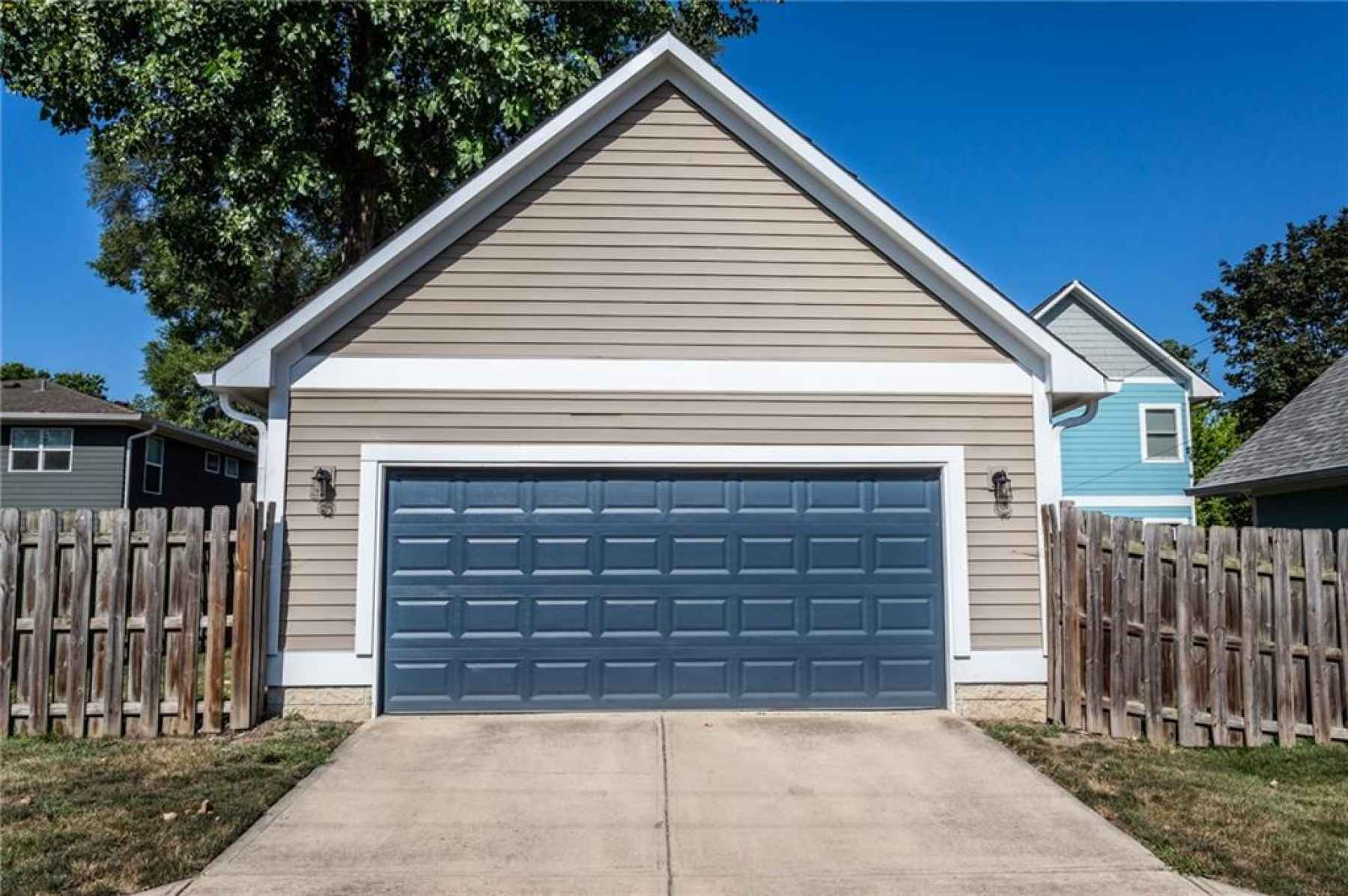 Garage with access from alley.