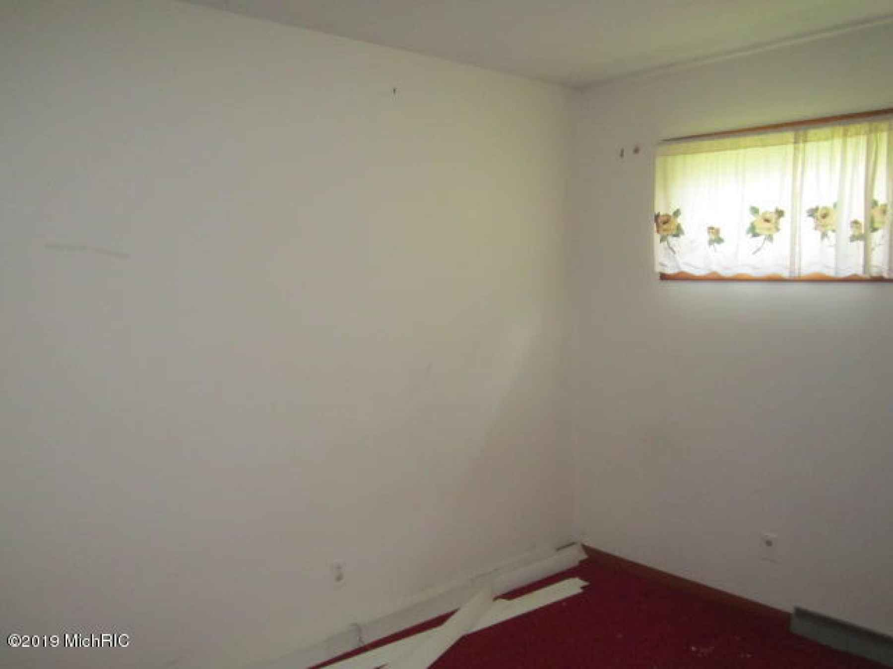 104 Charles E Place 025
