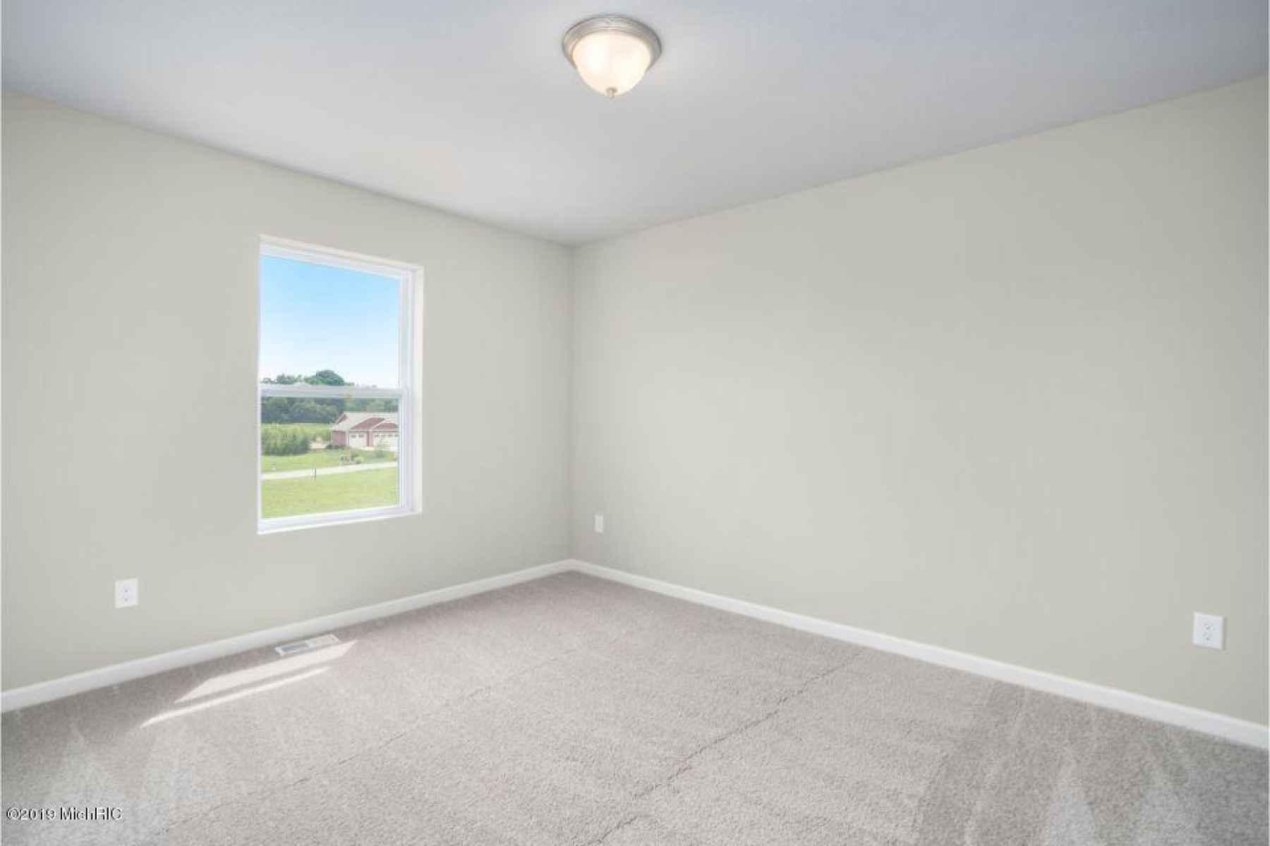 LMD097-E2070-Bedroom2