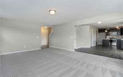 LMD097-E2070-Great Room2