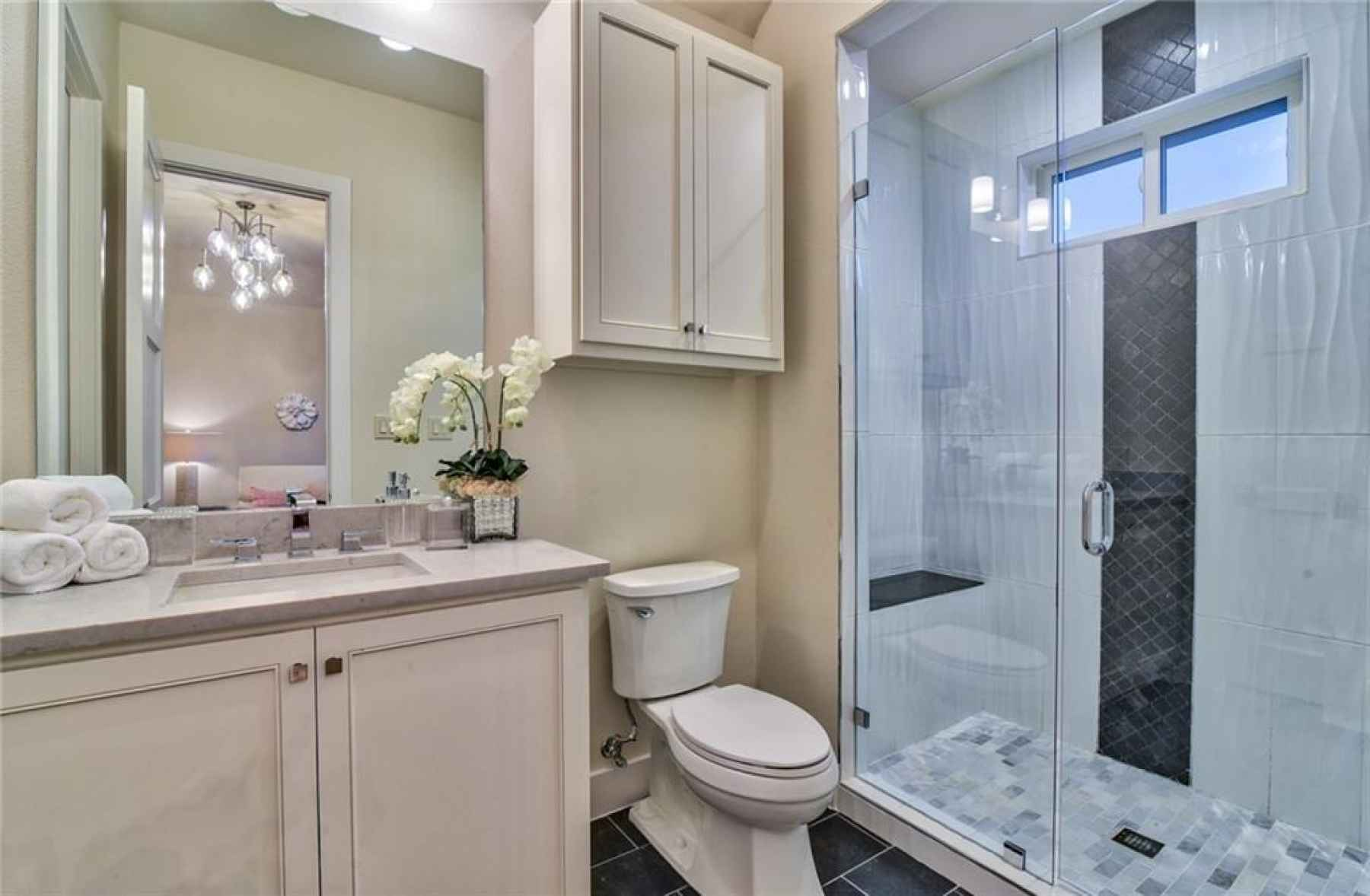 Photo for1105 Knoll Crest Drive