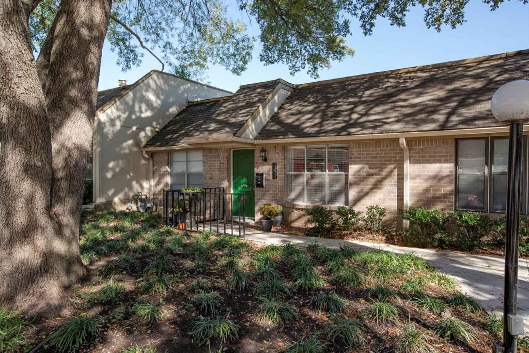 Photo for13921 Brookgreen Drive