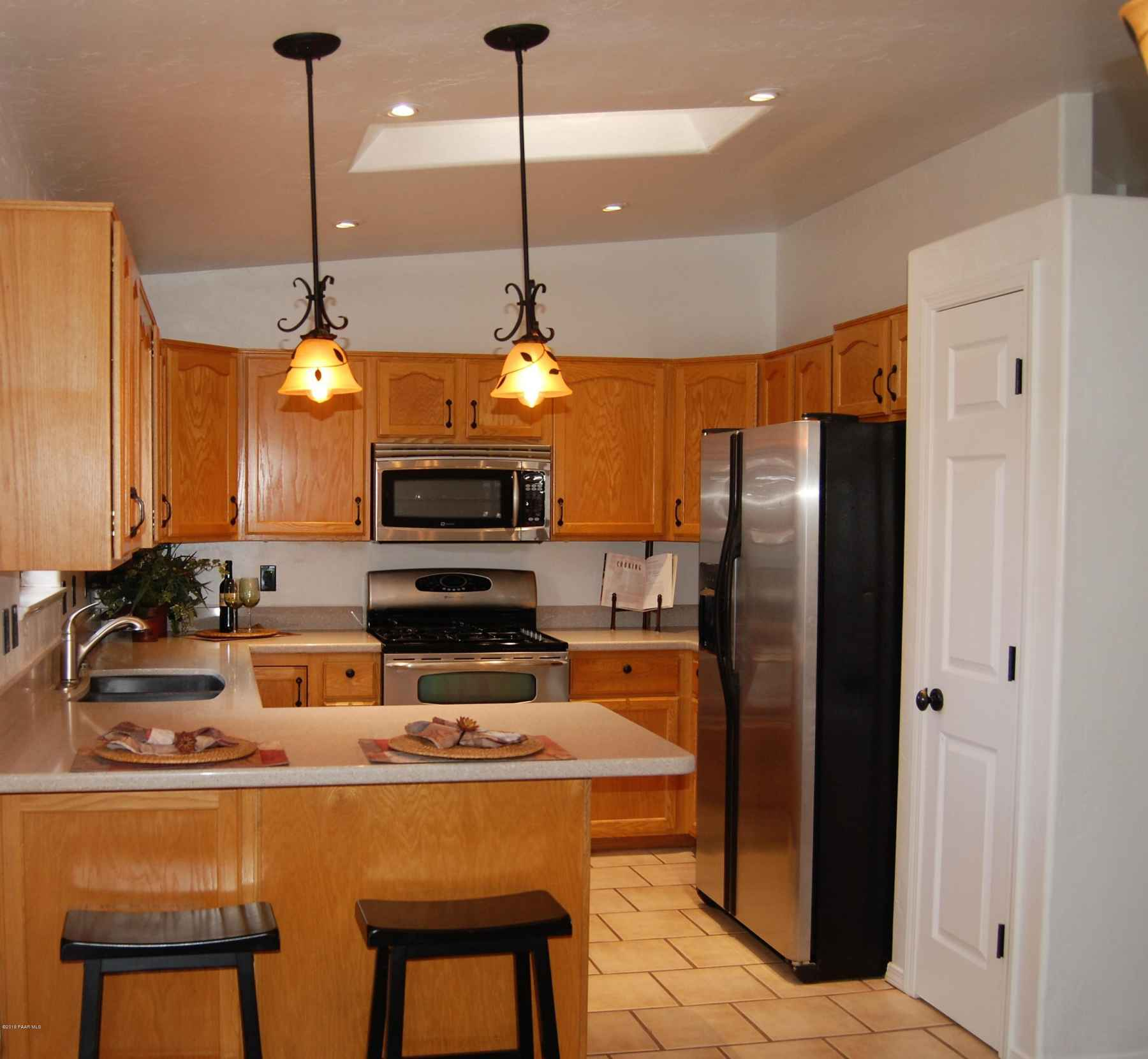 kitchen with stainless appliances and pa