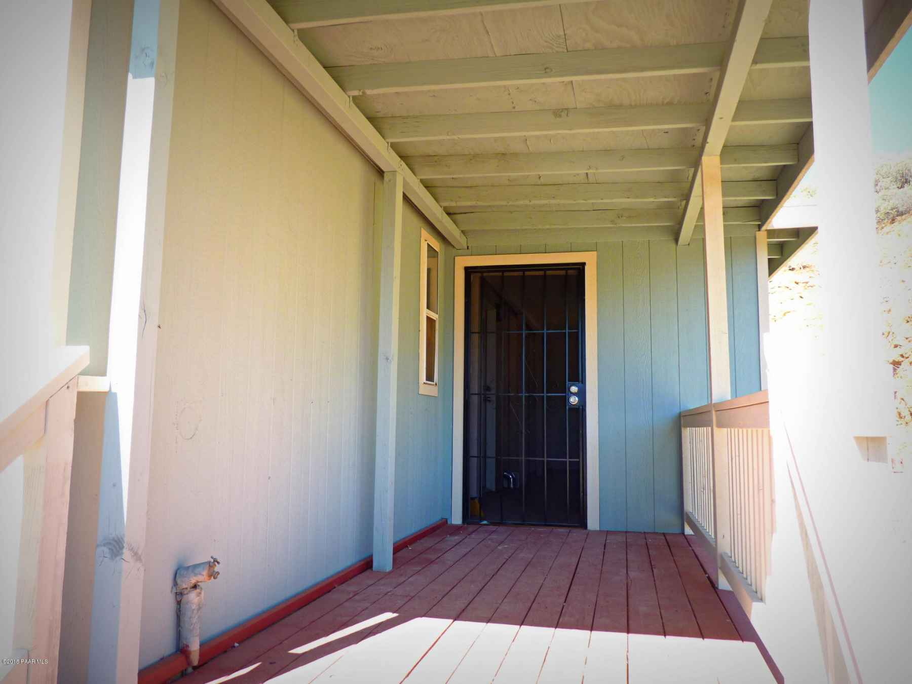 Main House Covered_Enclosed Porch Entran