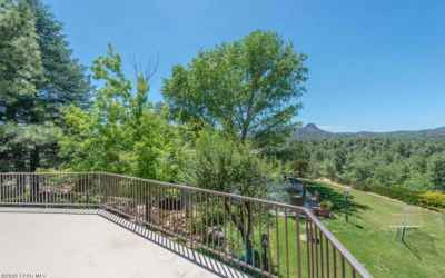 Photo for940 1/2 Country Club Dr