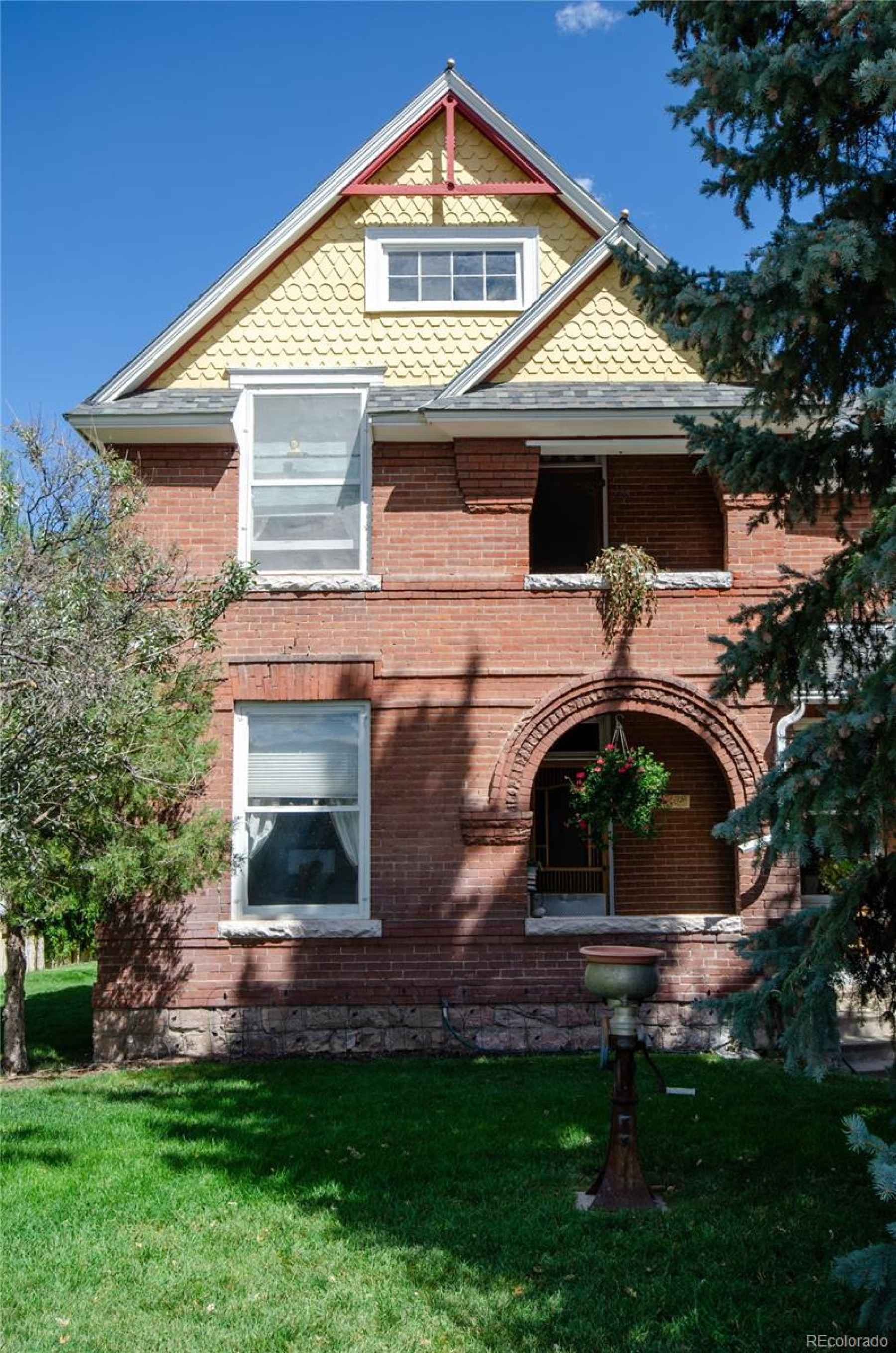 Photo for 346 E 2nd Street